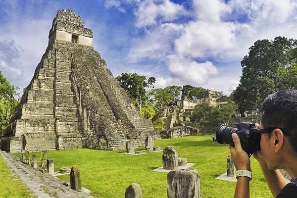 Guatemala, Amanecer Maya