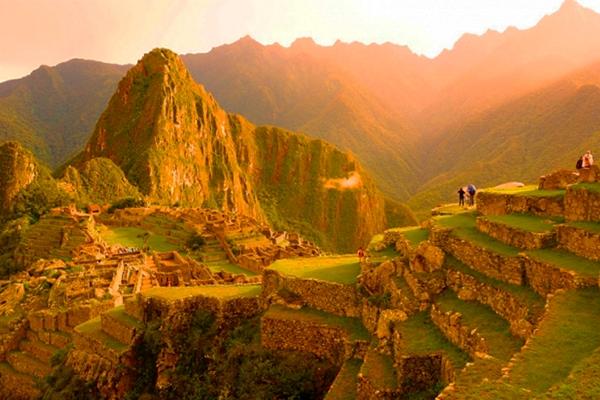 Amanecer en Machu Picchu - Perú